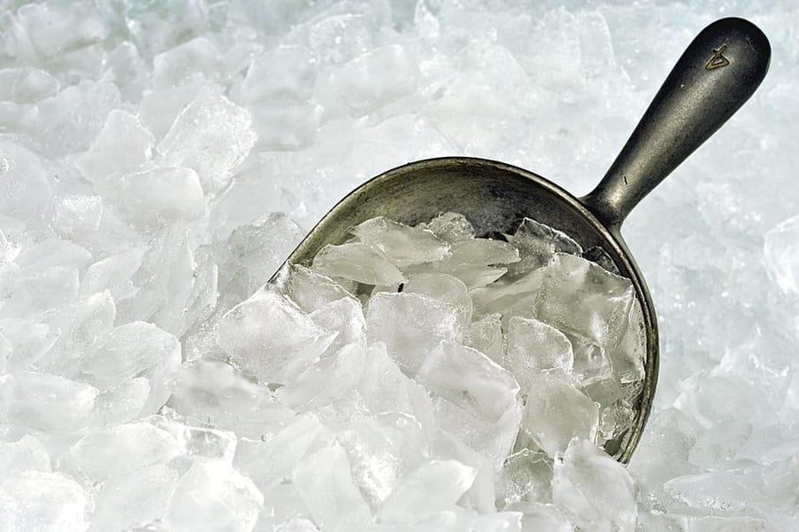 commercial-ice-machines-clean-safe-ice