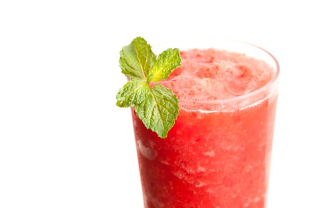 ice makes this pomegranate cocktail special